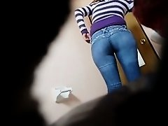 Toilet voyeur cam shows cool buttocks